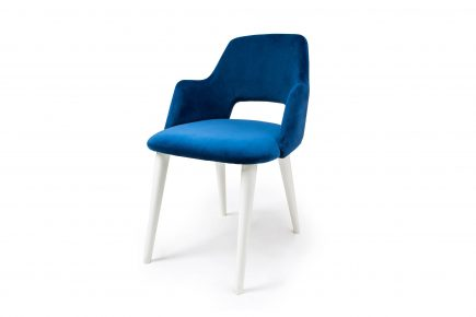 Blue_dining_room_chair_Magie_Urvission_Interiors