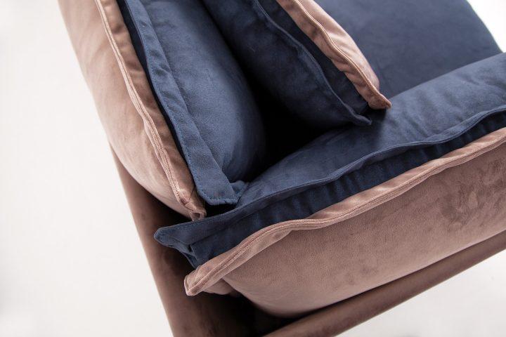 Blue_velvet_sofa_Effect_Urvission_Interiors